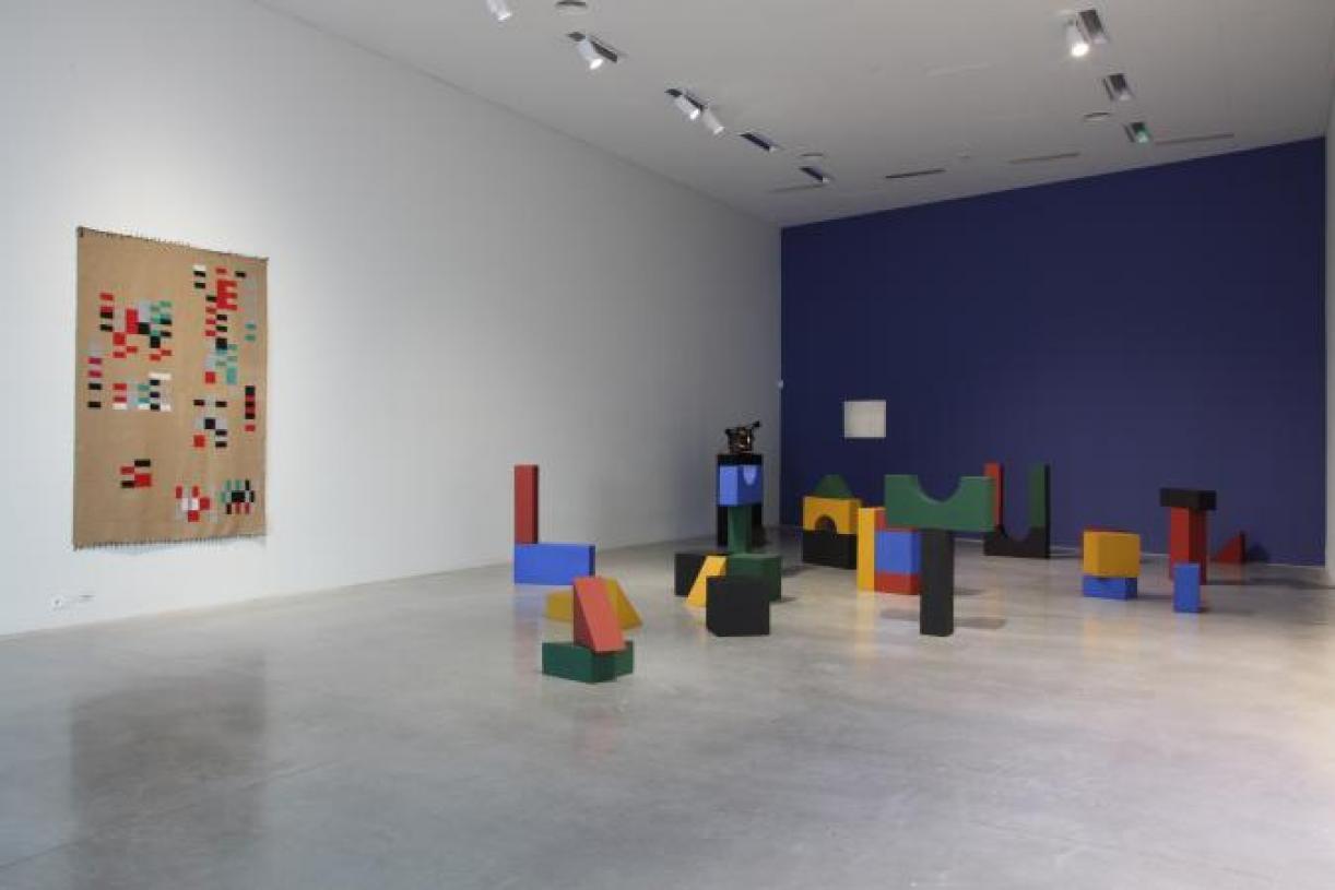 Lyautey Unit Blocks, 2010, wood, paint, dimensions variable. Installation view M Leuven, 2016-2017