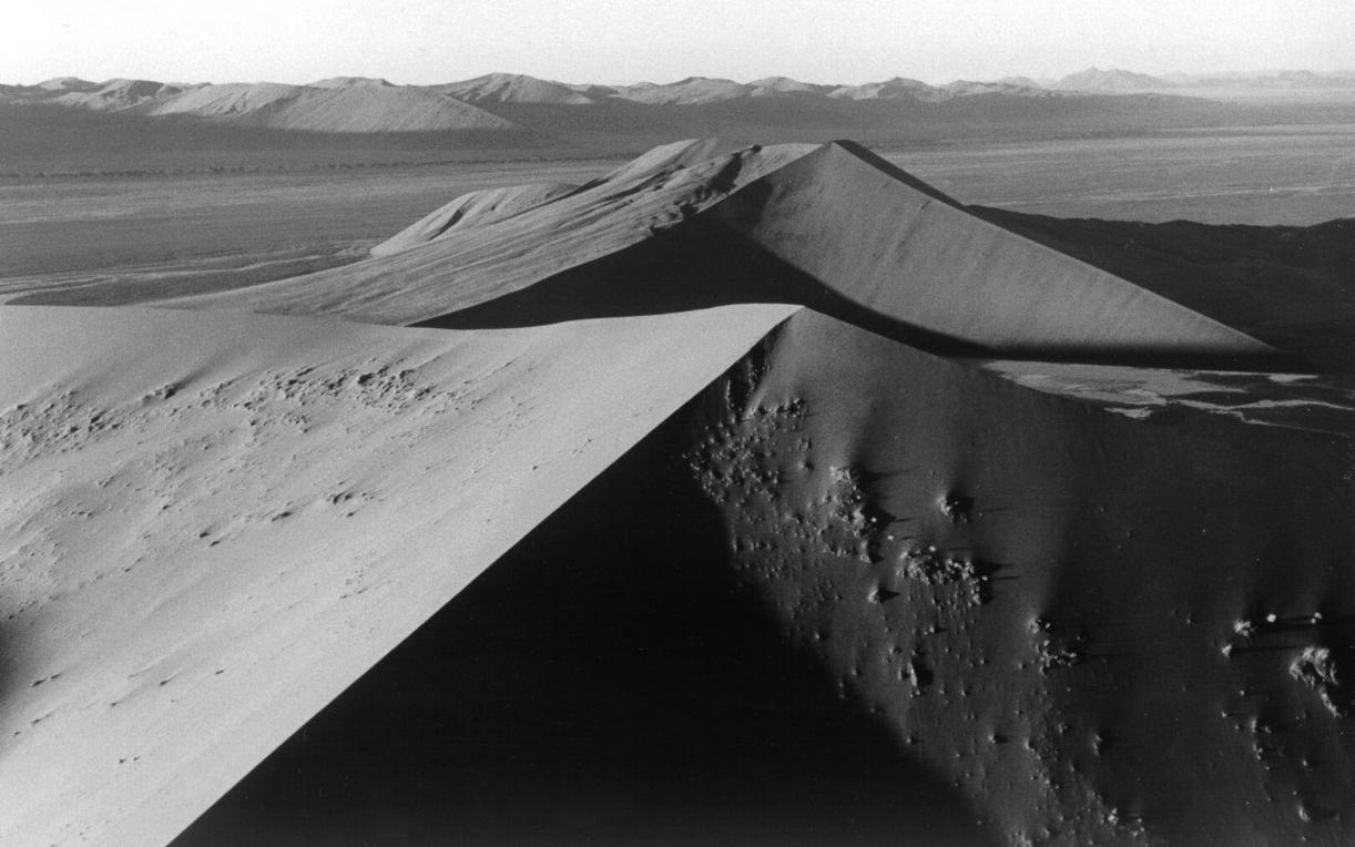 Balthasar Burkhard, Desert, 2000, Silver gelatine print