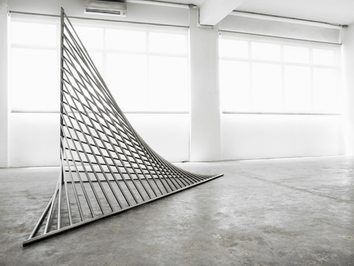 Timo Nasseri, Glitch, 2010, Polished stainless steel, 380 x 185 x 267 cm, Edition 3 + 1 AP