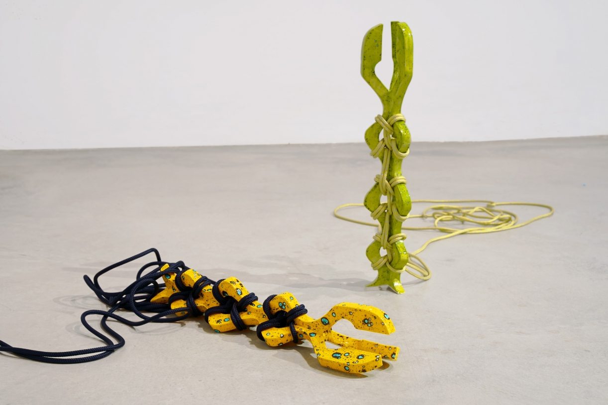 Timo Nasseri, Yellow-Darkblue and Green-Gold, 2019, Glazed ceramics and rope, 56 x 10 x 10 cm (each)