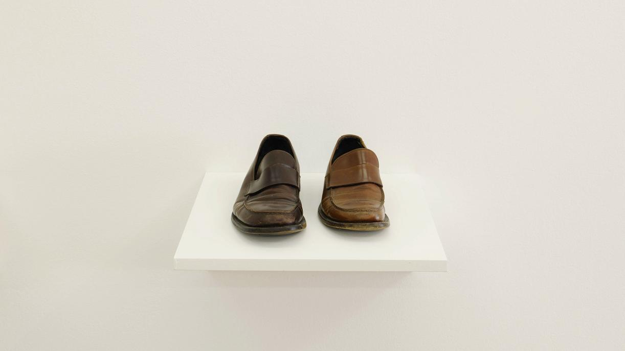 Right and Right, 1999, Two leather shoes, size 41 and size 43, 10 x 26 x 30 cm, Ed. 1 + 1 AP