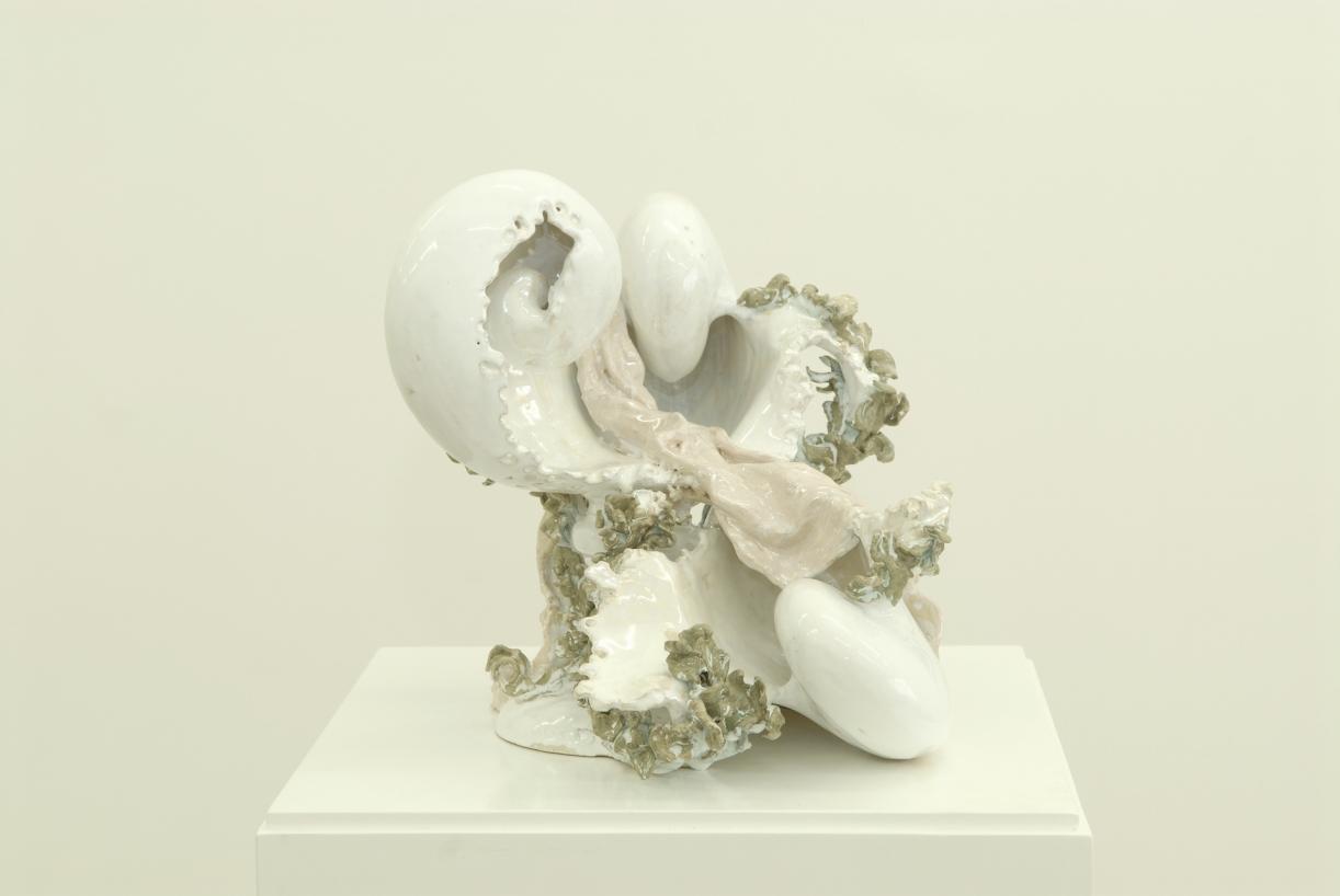 Moritz Altmann, Bowl with Drapery, 2007, glazed ceramic, 35 x 30 x 30 cm