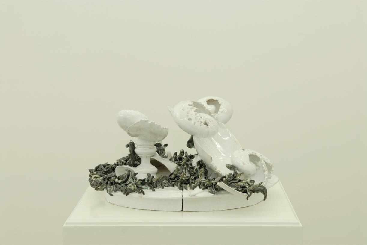 Moritz Altmann, Three Bowls, 2007, glazed ceramic, 60 x 48 x 35 cm