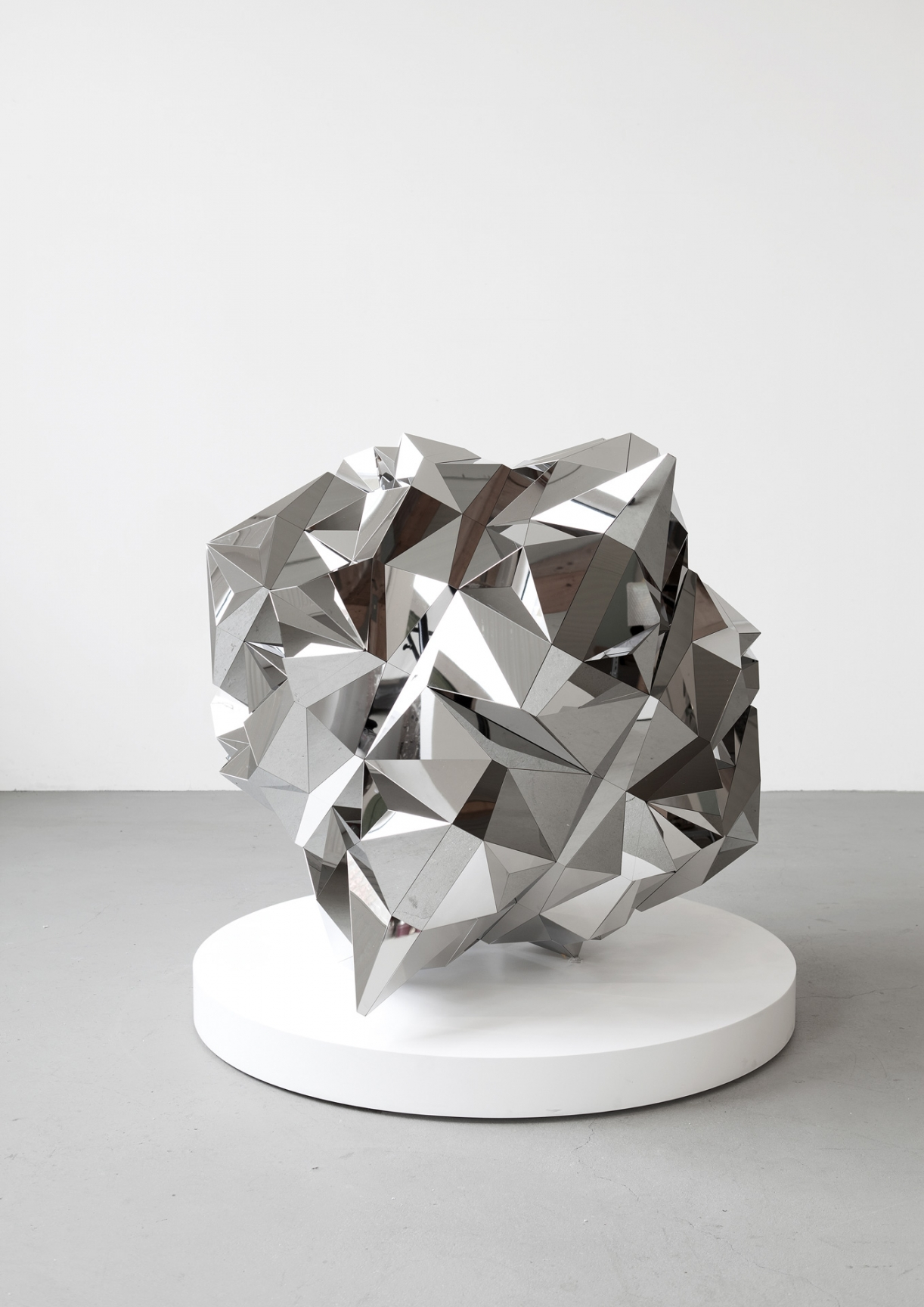 Timo Nasseri, Parsec #6, 2017, Polished stainless steel, 118 x 118 x 107 cm, Edition 3 + 1 AP